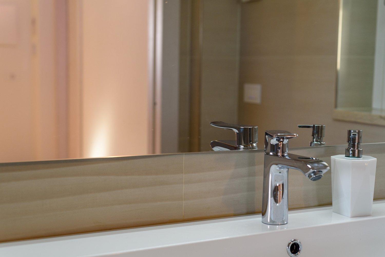Mobile bagno su misura laccato bianco sprea arredamenti - Mobile bagno su misura ...
