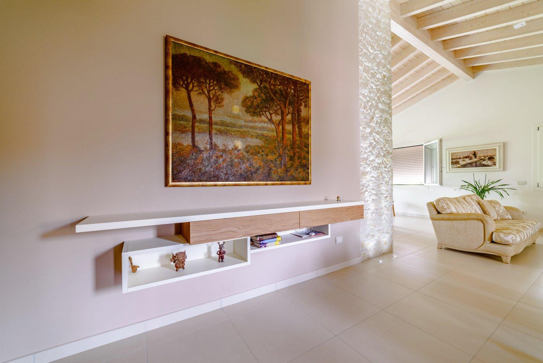 Arredo moderno per salotto con vetrinetta sprea arredamenti for Arredo salotto moderno