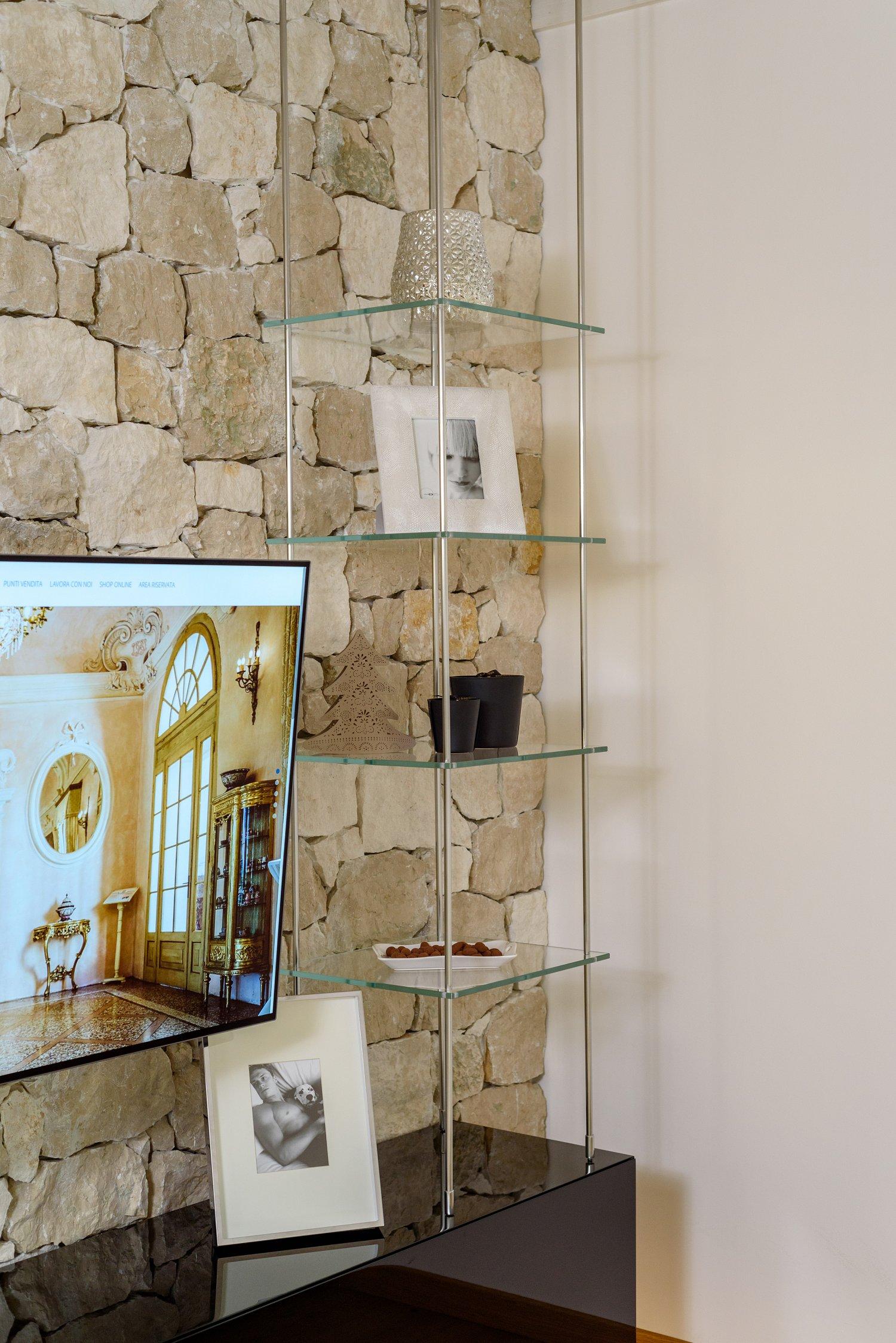 Mobile soggiorno sospeso in legno vetro e acciaio sprea for Mobile soggiorno legno