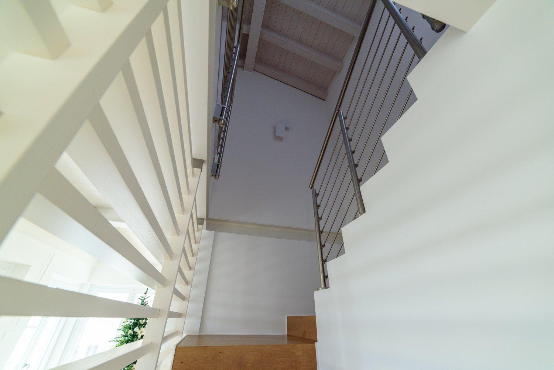 Parete Divisoria In Legno parete divisoria bianca in legno e acciaio | sprea arredamenti