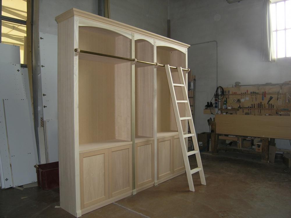 Libreria classica o mansardata con scaletta in legno sprea arredamenti - Libreria a scaletta ...