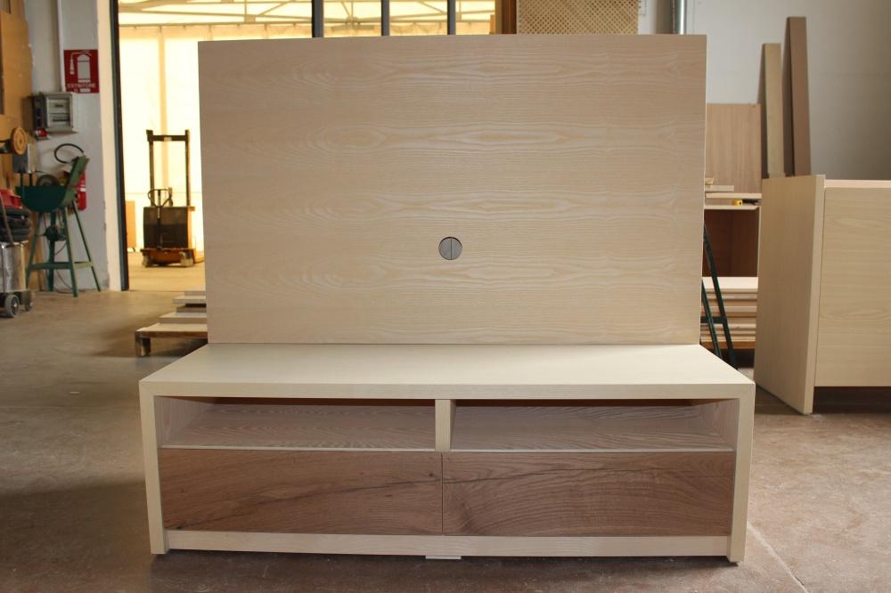 Beautiful pannello porta tv contemporary acrylicgiftware - Mobili soggiorno su misura ...