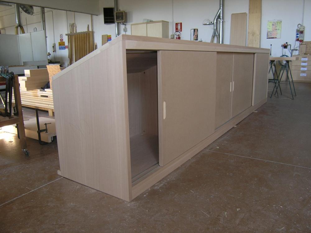 Realizzazioni per spazi mansardati o con misure for Ante a serrandina su misura